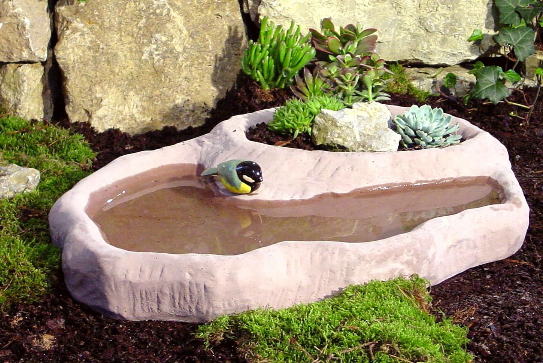 Vogeltränke mit Pflanzteil - WS-Gartenelemente